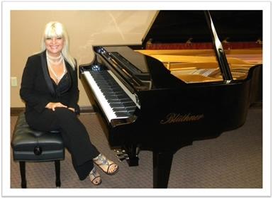 Marta Lledo, piano