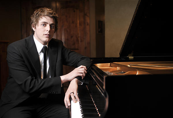 Josh Wright, piano
