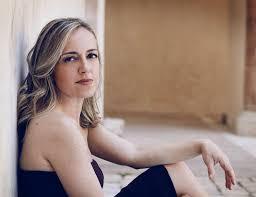 Laura Magnani, piano