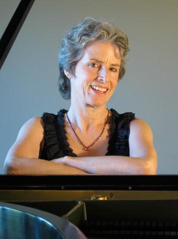 Mary Fleming, piano