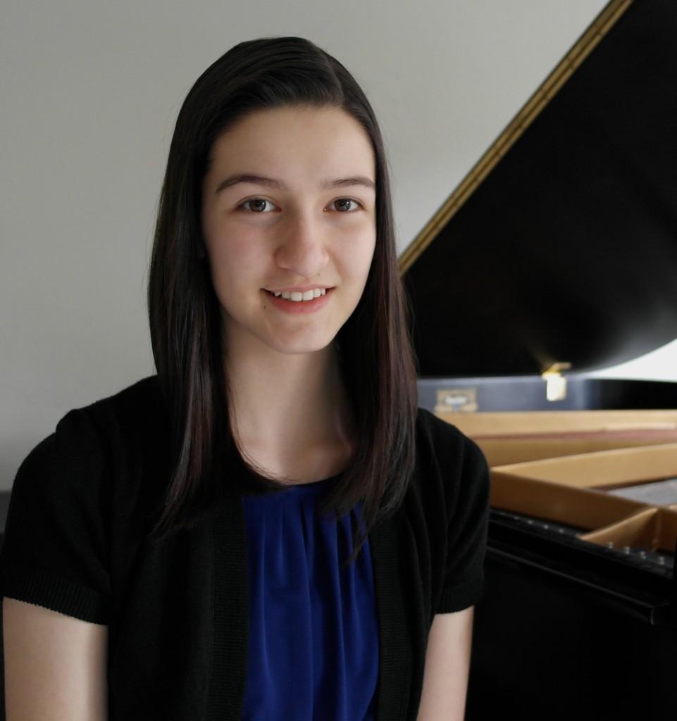 Leyla Kabuli, piano