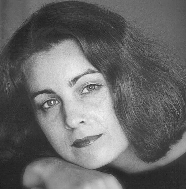 Robyn Carmichael, piano