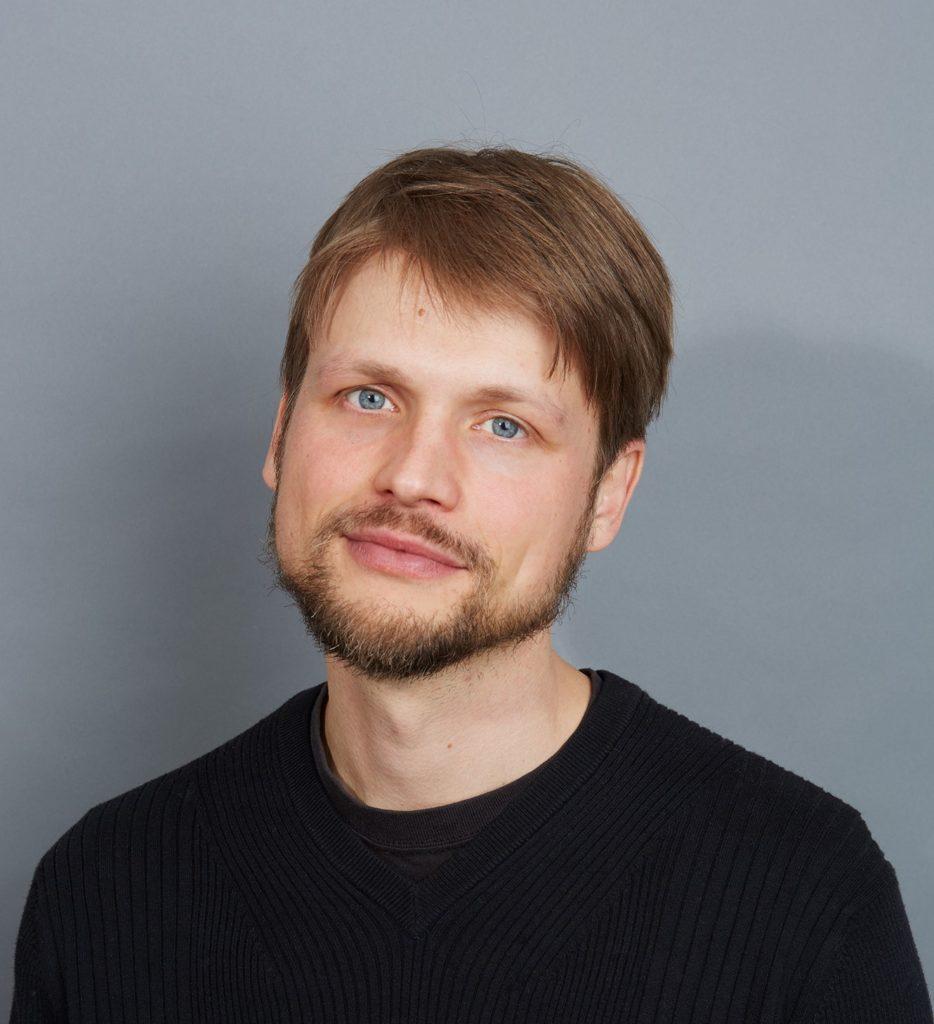 Grisha Krivchenia, Piano
