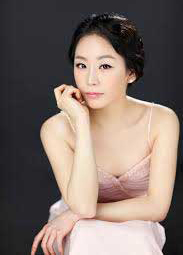 Yoonie Han, Piano